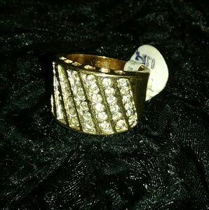 Espo & Uncas Ring
